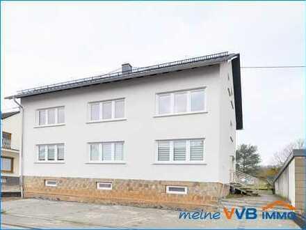Kernsanierte 4 ZKB Wohnung mit Balkon u. Stellplätzen in Schwalbach-Elm zu vermieten