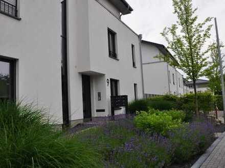 Freundliche 4-Zimmer-Wohnung Bj. 2016 mit Balkon in ruhiger Lage von Paffrath