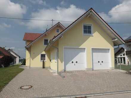 Traumhaus mit großem Garten und Doppelgarage