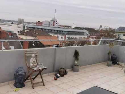 Provisionsfrei! Wunderschöne DG-Wohnung mit großer Terrasse in guter Lage
