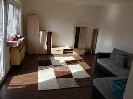 Helle Wohnung im 2. OG mit Balkon und Einbauküche