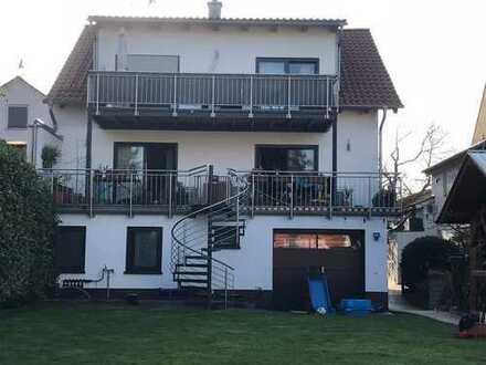 ruhige, neuwertige 2-Zi-Whg mit 25qm-Balkon und Kaminofen im Herzen Weiterstadts