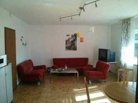 Gepflegte Wohnung mit vier Zimmern sowie Balkon und Einbauküche in Mosbach