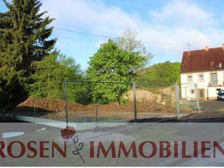 Baugrundstück mit fertiggestellter Bodenplatte in der Nordpfalz