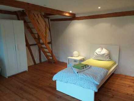 """Im Haus des Lebens """"ein Ort der Ruhe"""" Maisonette Zimmer mit Garten"""