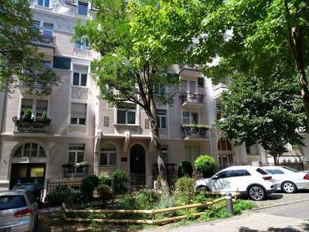 Schöne 2-Zimmer-Wohnung mit EBK in Wiesbaden