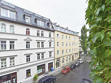 Stillvolle 4-Zimmer-Altbauwohnung mit großer Terrasse, in ruhiger Lage nahe Isar