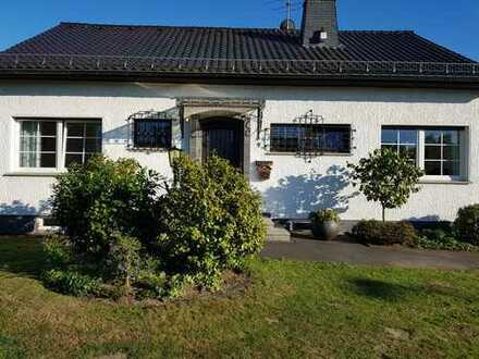 Freistehendes Haus mit fünf Zimmern in Aufderhöhe, Solingen