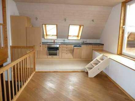 Kleines Einfamilienhaus mit Terrasse und Kachelofen