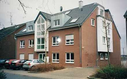 Wunderschöne gepflegte 4-Zimmer-Maisonette-Wohnung mit großer Terrasse in Meerbusch Nierst