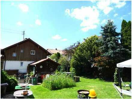 - NUR FÜR KAPITALANLEGER - Großes, liebevoll gepflegtes Grundstück mit älterem Einfamilienhaus