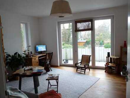 Wunderschönes Zimmer mit Wohnbereich an der Lichtwiese zu vermieten