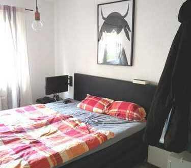 ***SAARLANDVIERTEL-Gepflegte 2 Zimmerwohnung mit Wannenbad und Laminat***