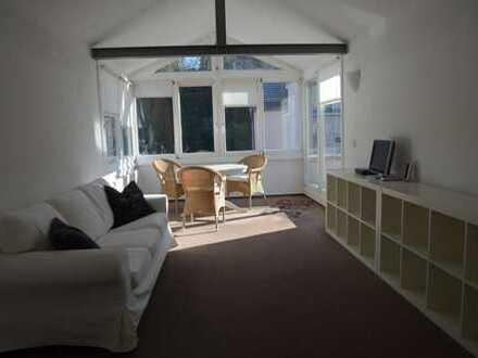 Helle 2-Zimmer-Dachgeschosswohnung mit Balkon in Bensheim