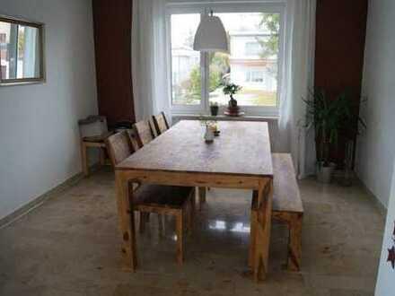 Gepflegte 5-Zimmer-Wohnung mit Balkon und Einbauküche in Grenzach-Wyhlen