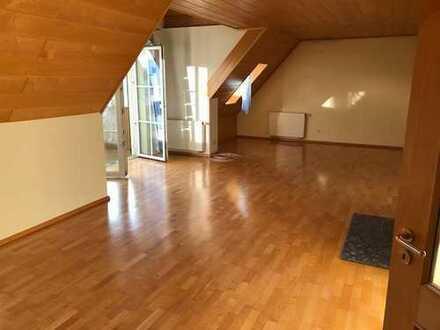 Günstige 3,5-Zimmer-Wohnung in Wallerstein