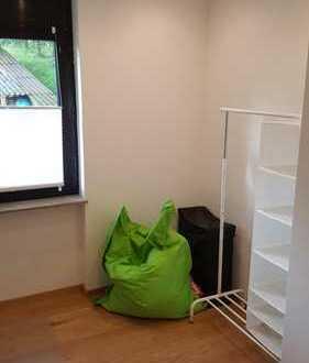 Zimmer in modern eingerichteter Pendler, Studenten WG in Lomersheim