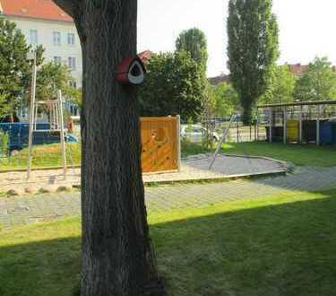 3-Zi-Whg,gr. Wohnküche (ohne EBK),WB/DB,Balkon in Johannisthal