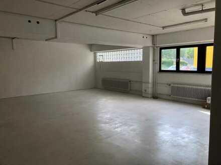 150 m2 Hallenfläche zur vielseitigen Nutzung in interesanter Lage gegenüber GLOBUS Baumarkt!!
