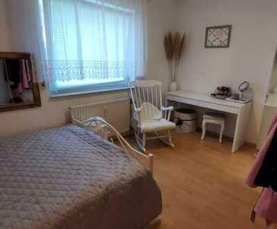 Ansprechende 1,5-Zimmer-Erdgeschosswohnung mit Terrasse und Einbauküche in Tuttlingen