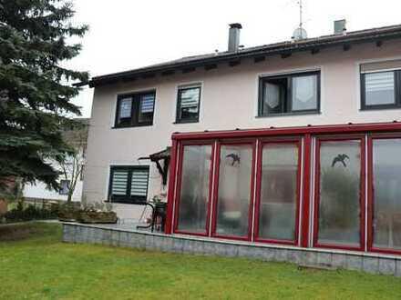 Haus mit 222 qm und Einliegerwohnung 104qm in Nandlstadt zu vermieten