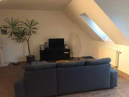 chique, moderne 3- Zimmer- Wohnung mit Balkon und Stellplatz