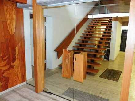 Wohnhaus mit Atelier - Wohnen und Arbeiten auf besondere Weise