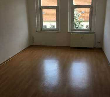 Preiswerte 3-Zimmer-Dachgeschosswohnung in R
