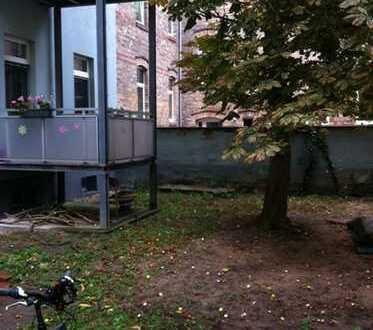EBK, ruhige Wohnlage, Balkon, Parkettboden