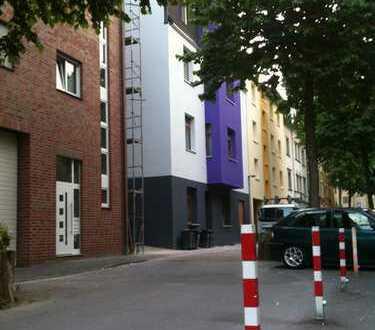 Schöne Dachgeschosswohnung im ruhigen Wohnviertel, stadtnah und direkter U35 Zugang