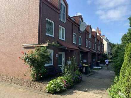 Vermietetes Reihenmittelhaus mit 6 Zimmern, 2 Bädern, Garten auf 141 m² Wohnfläche in Bremen