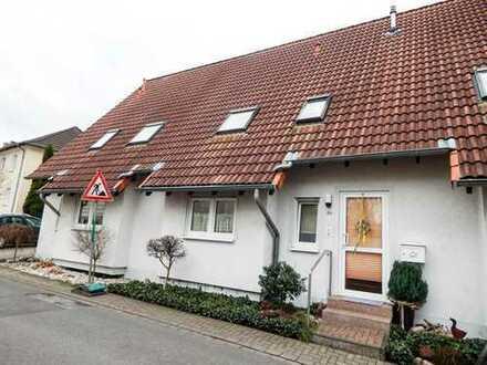 Reihenhaus in Eigentumsgemeinschaft in Feldrandlage mit Vollkeller, Studioraum und Garage