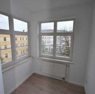 Großzügige 4-Raum Wohnung mit Balkon in zentraler Lage