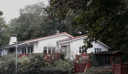 Wunderschönes Haus mit Treenegrundstück zentral gelegen