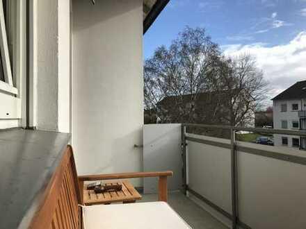 Ruhige Lage – Mitten im Rhein-Main-Gebiet! Solide, helle 3 Zi-Wohnung mit Balkon! Gepflegte Einheit