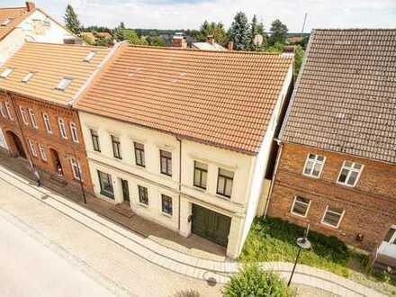 Wohn- und Geschäftshaus mit Hof, Einfahrt und Garten