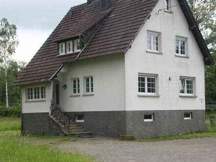 Preiswerte, vollständig renovierte 2,5-Zimmer-Wohnung zur Miete in Lindlar