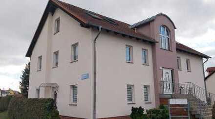 Gepflegte 2,5-Zimmer-Maisonette-Wohnung mit Balkon und Einbauküche in Rathenow