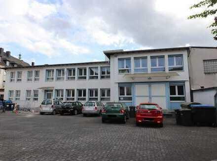 Büro-/ Lager-/ Werkstattgebäude (Ges.Fl. ca. 650 m²) zentral in Siegen!