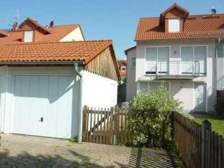 Schöne Dopelhaushälfte mit fünf Zimmern in Ebersberg (Kreis), Pliening für 1 Jahr zu vermieten