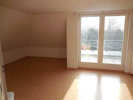 Helle 3-Zimmer-Maisonette-Wohnung mit großzügigem Balkon