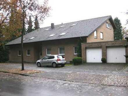 Sehr charmante, helle 3-Zimmer-Wohnung in Sennestadt mit Balkon