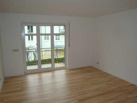 Wunderschöne Familienwohnung im Grünen mit Einbauküche und zwei Balkonen!