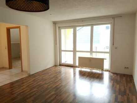 eine GEMÜTLICHE 2-Zi-DG Wohnung mit EBK für SinGle/PÄarCHen // mitten im Grünen zw.Suhl/Schleusingen