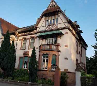 Helle, renovierte zwei Zimmer DG-Wohnung in Ortenaukreis, Lahr/Schwarzwald
