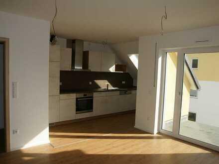 Neuwertige 2-Zimmer-Wohnung mit Dachterasse und EBK in Langquaid
