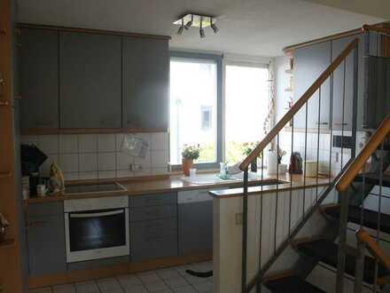 Gepflegtes Reihenhaus mit sechs Zimmern und Einbauküche in Weil am Rhein, Weil am Rhein