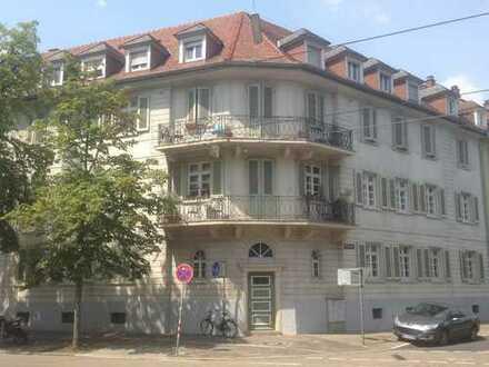 Selbst oder Miete: Schöne, geräumige 3 Zimmer Wohnung plus 1 Mansardenzimmer in Karlsruhe - Uninähe