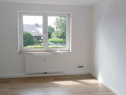 Vollständig renovierte 3,5-Raum-Wohnung mit Balkon in Kamp-Lintfort