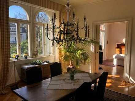 Exklusive 5-Zimmer-Wohnung mit Balkon und Einbauküche in Wiesbaden